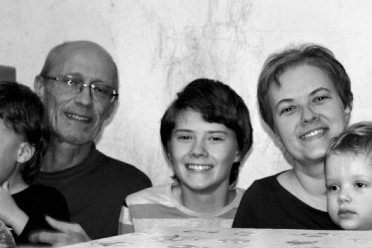 """Cum putem ajuta """"cea mai neînduplecată familie din Cluj"""". Donează cât de puțin"""