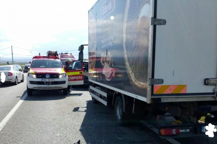 Accident între un camion și două mașini pe centura Apahida FOTO