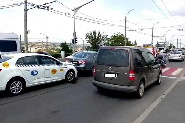 Accident cu trei mașini în Mărăști VIDEO