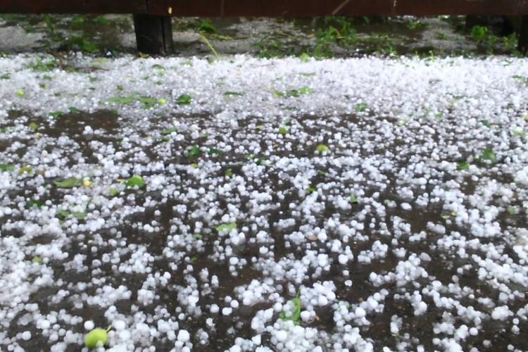 Un nou avertisment de grindină la Cluj! Ce localități sunt afectate