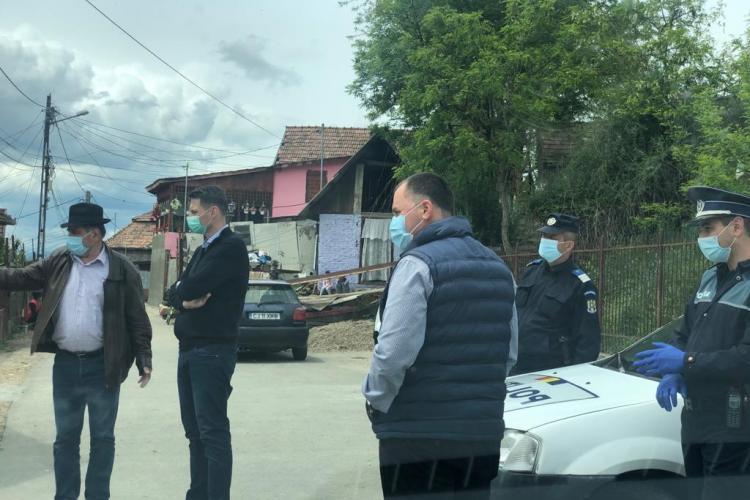 Romii din Viișoara sunt în carantină păzită! Patru copii au fost depistați cu coronavirus - FOTO
