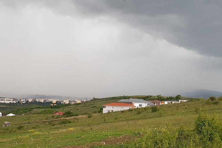 Nori de potop la Cluj. Cerul arată înspăimântător - FOTO