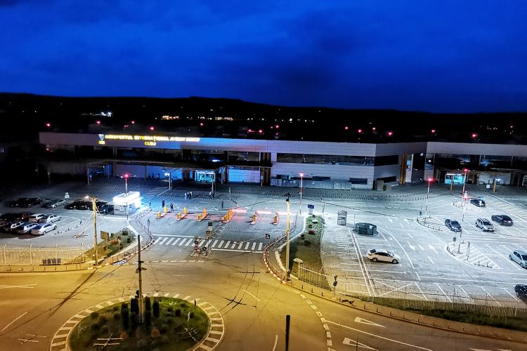Parcarea de la Aeroportul Cluj a fost modernizată. Urmează să oprească și autobuzul la terminal - VIDEO