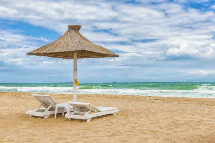 Iohannis: De la 1 iunie se merge la plajă și se deschid terasele