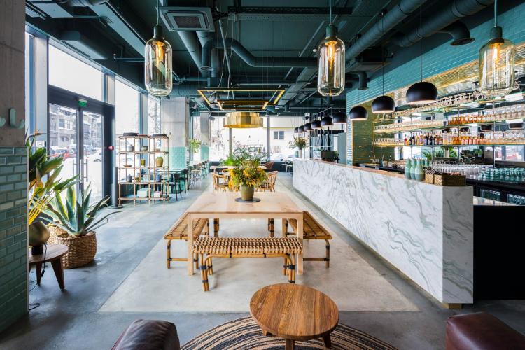 Ministrul Economiei: Restaurantele s-ar putea deschide de la 1 iulie