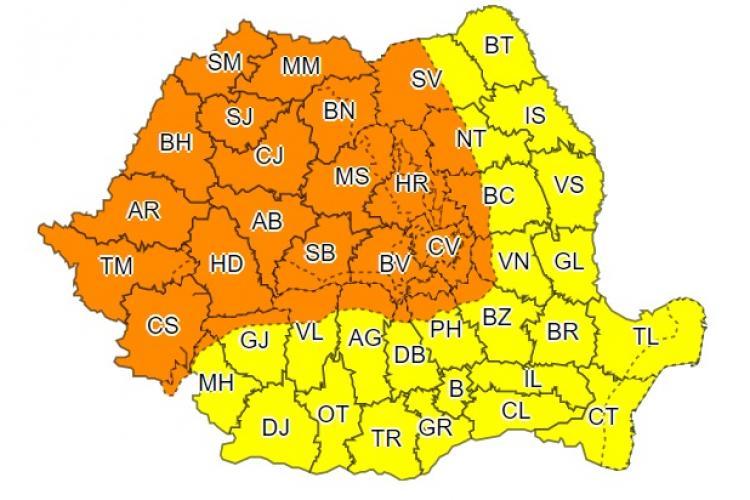 O nouă zi cu furtuni la Cluj și în marea parte a țării. Meteorologii anunță cod portocaliu