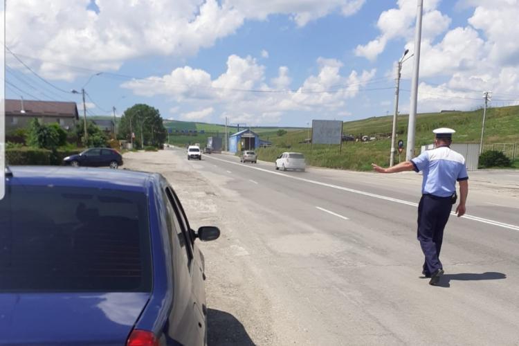 Controale de amploare la Cluj pentru verificarea respectării măsurilor de prevenire a COIVID-19. S-au dat peste 100 de amenzi FOTO