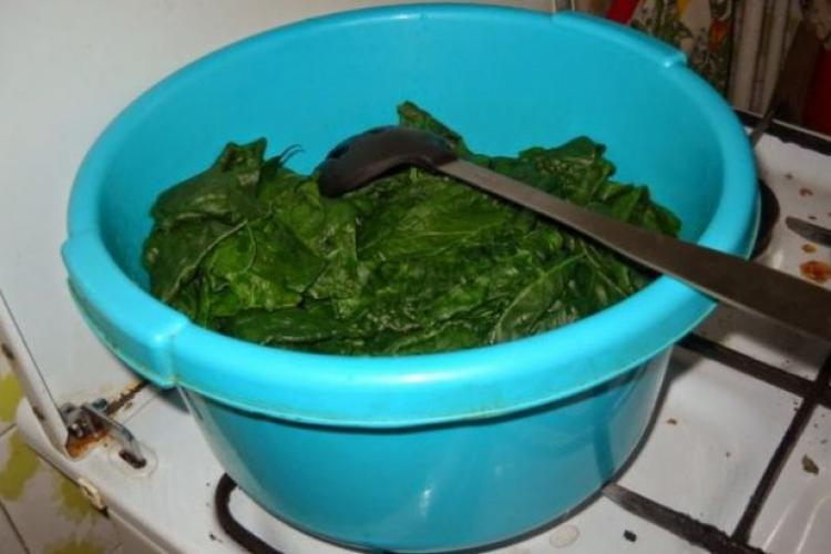 Gătește CORECT spanacul pentru a păstra calitățile nutritive ale legumei