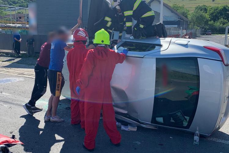 Ziua accidentelor la Cluj! O persoană a rămas încarcerată în urma unui accident la Jucu FOTO