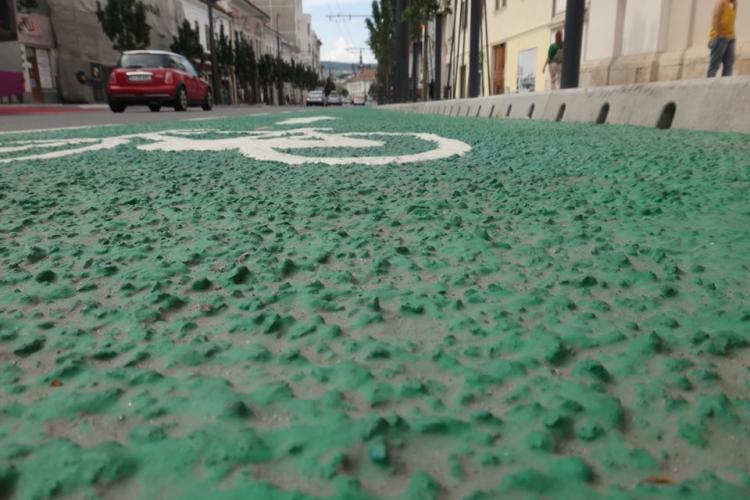 Bicicliștii clujeni critică pista de biciclete de pe Ferdinand: În campionatul național de bătaie de joc, Clujul vrea pe podium