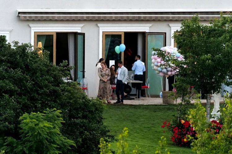 Ce a spus Rareș Bogdan despre petrecerea cu 100 de oameni, de ziua fiicei sale: Au fost 40 și am stat pe terasă