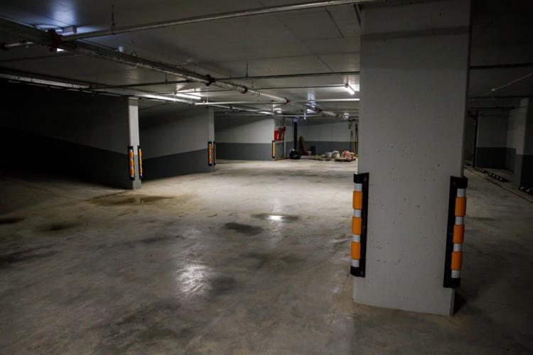 Care este stadiul Parkingului de pe strada Primăverii. Urmează să fie dat în folosință în câteva luni FOTO