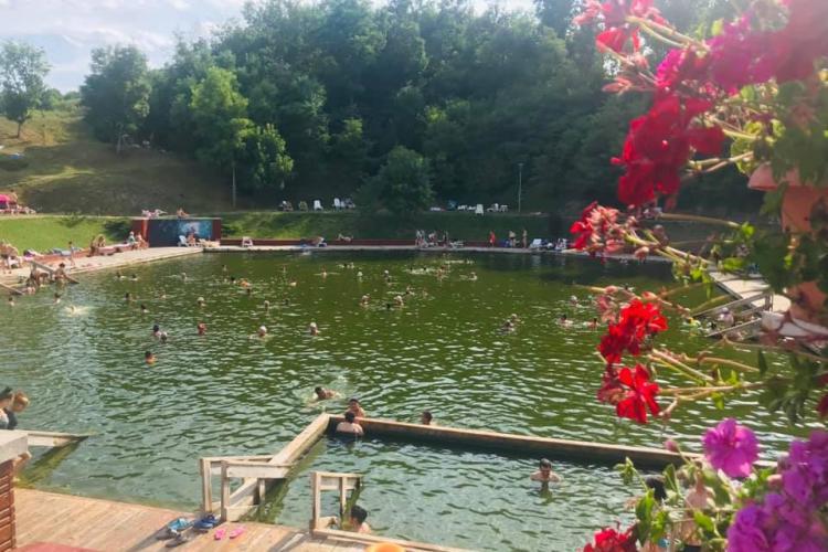 Băile Cojocna se deschid. Turiștii așteptați pe litoralul Clujului