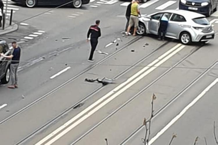 Accident pe strada Horea, lângă Ambulanța Cluj - FOTO