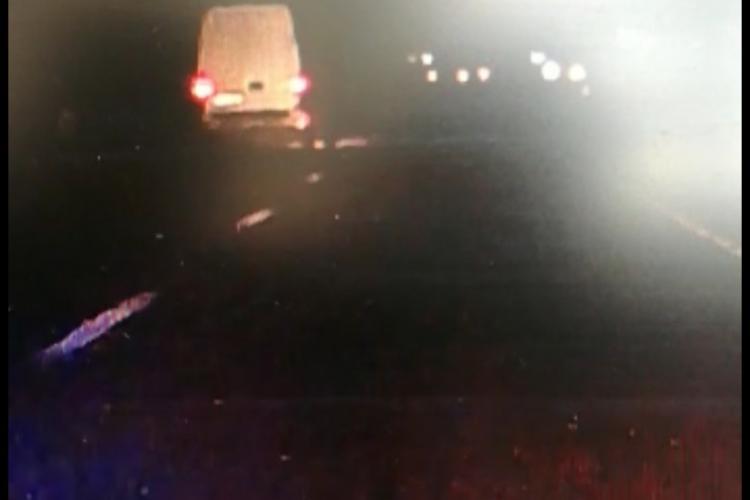 Cine este tânărul care a fost urmărit sâmbătă noaptea prin Cluj-Napoca după ce a furat o mașină - VIDEO