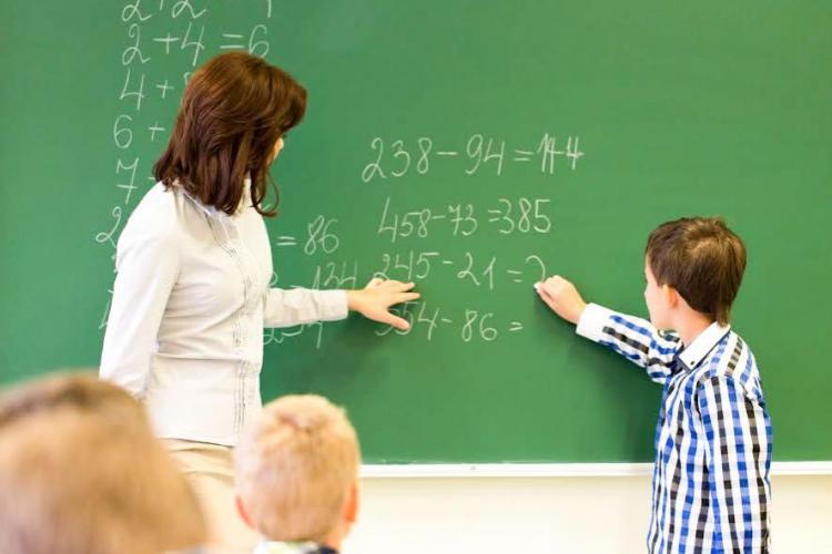 Opt universități, inclusiv UBB Cluj, vor organiza programele universitare de master didactic