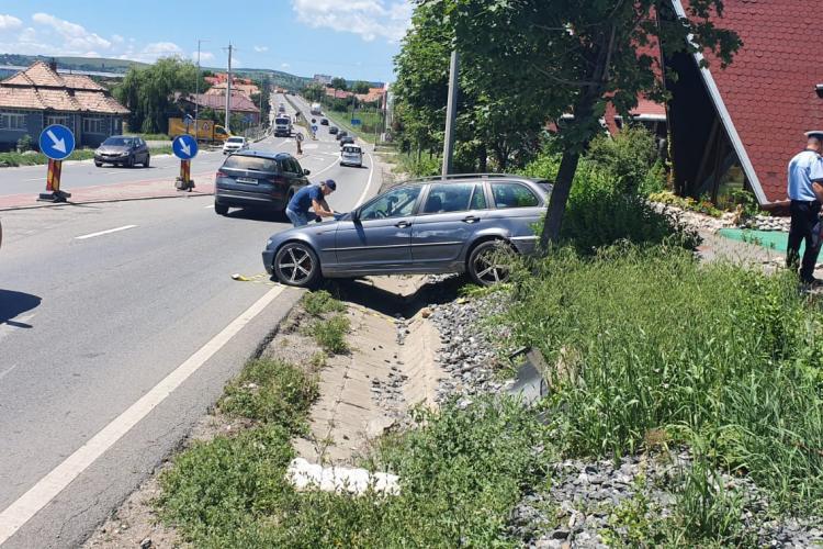 Accident grav la Tureni! O persoană a rămas încarcerată VIDEO