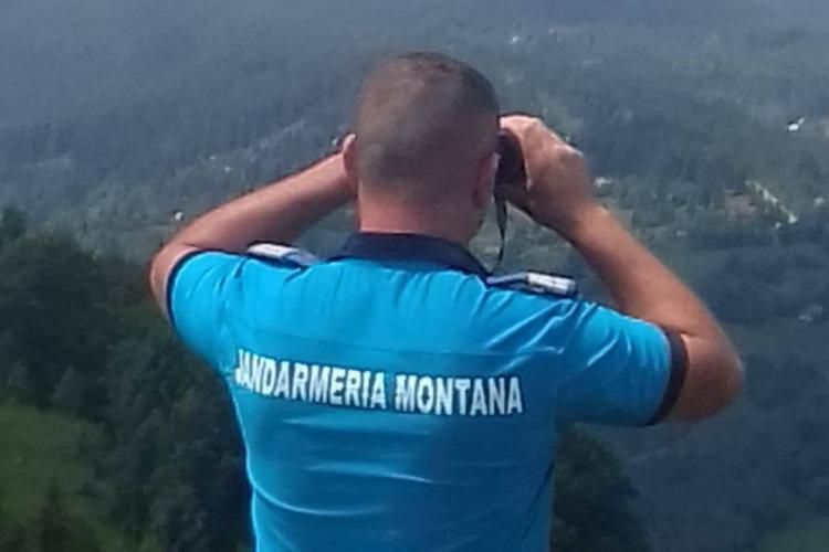 Clujence salvate de jandarmi după ce s-au rătăcit pe munte. Plecaseră la cules de ciuperci