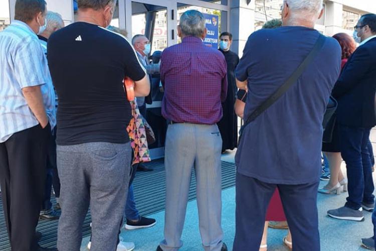 """Clujenii din Satu Lung și Feiurdeni nu """"pupă"""" apă potabilă. La Compania de Apă Someș, ridicatul din umeri e sport național - FOTO"""