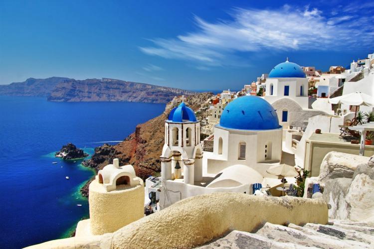 Se intră în Grecia numai dacă ai cod unic de bare. De când se impune măsura și ce înseamnă