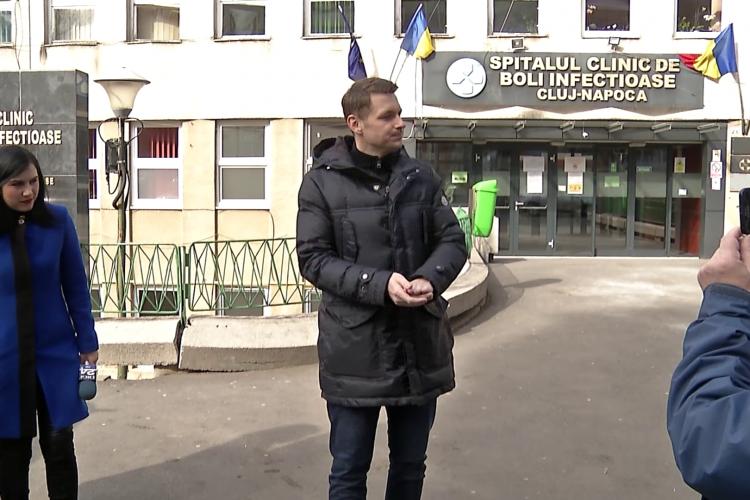Prefectul Clujului, Mircea Abrudean, are coronavirus. Sunt bolnavi și soția și copilul de 9 luni