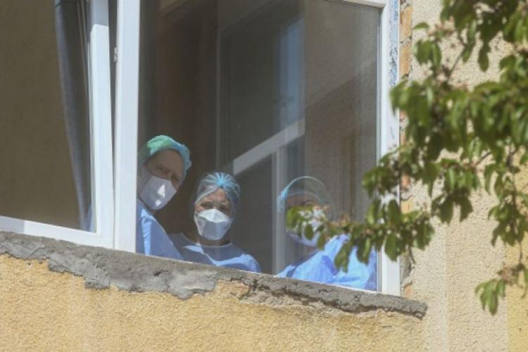 Ministrul Sănătății prezintă CIFRE grave: 30.000 de persoane au plecat din izolare şi peste o mie din carantină