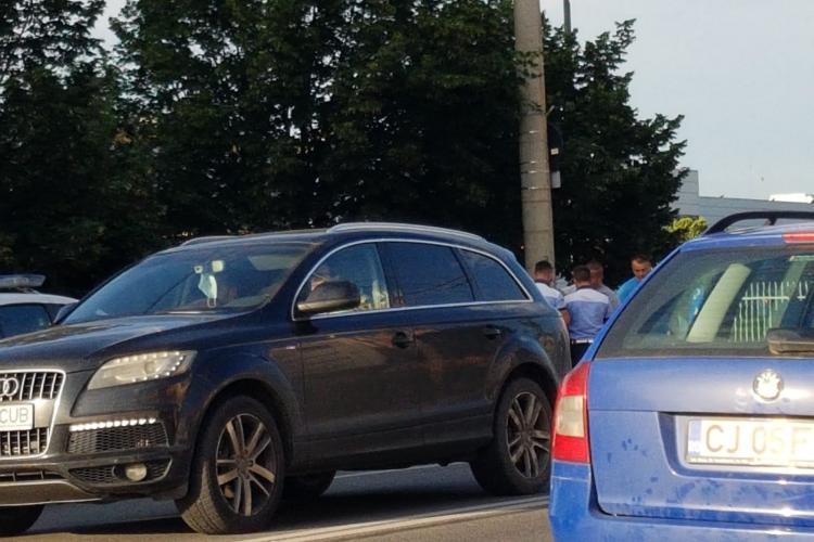 Șofer care circula haotic pe Traian Vuia, reclamat la 112 de alți șoferi. S-a format un baraj la Aeroport