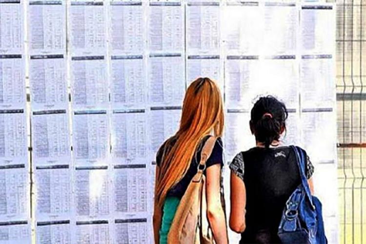 Clujul are zece medii de 10 după examenul de Bacalaureat. De la ce licee sunt absolvenții