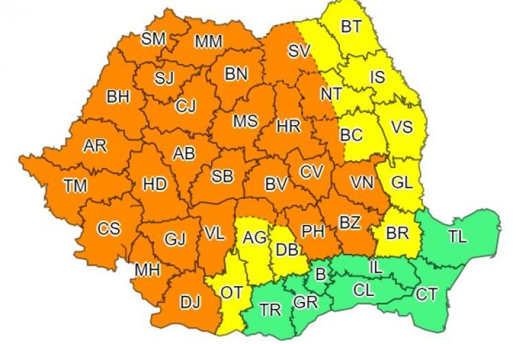 Aproape toată țara sub cod portocaliu de ploi. Ce anunță meteorologii