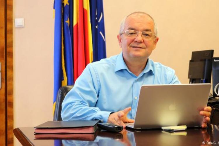 Boc recomandă purtarea măștii pe stradă, în Cluj-Napoca, și vaccinarea