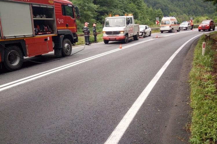 Accident între un BMW și un TIR pe un drum din Cluj FOTO