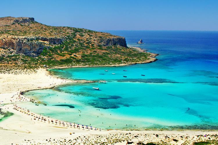 Presa din Grecia scrie că în Creta crește numărul cazurilor de COVID - 19 în primul rând din cauza românilor