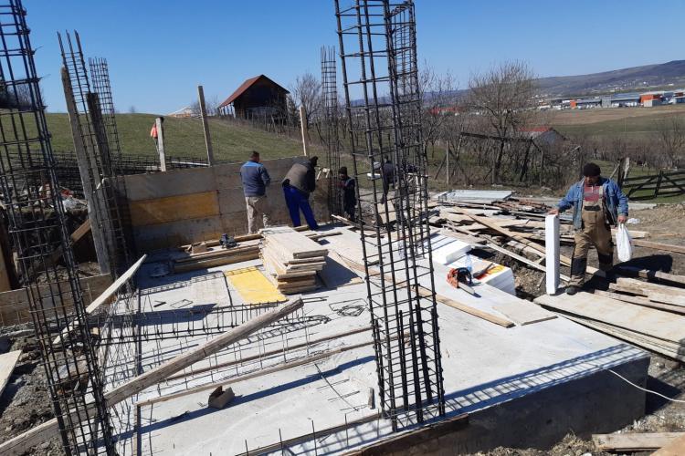 ITM Cluj amenzi DURE în construcții, singurul sector care DUDUIE. Au fost amendați și lucrătorii care nu respectau distanța în pauza de masă