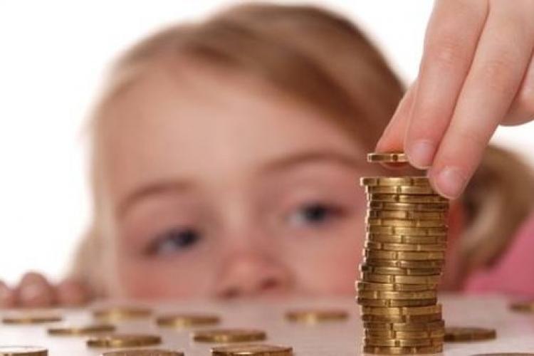 Guvernul decide azi dacă se măresc alocațiile copiilor
