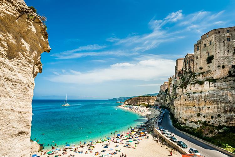 Italia extinde perioada de carantină pentru cei care vin din România
