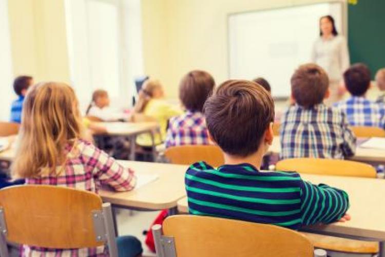 Iohannis spune cum va începe școala din toamnă: Ne îndreptăm spre un scenariu mixt