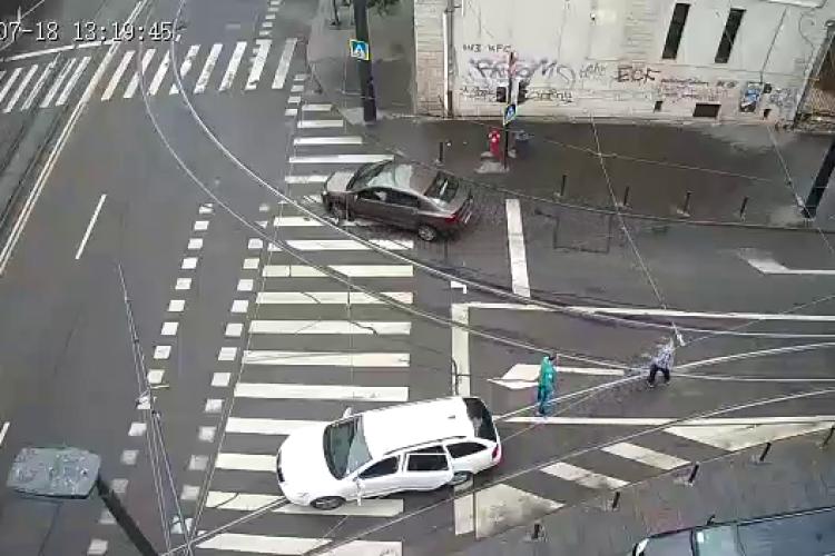 """Scandal între un vatman și un șofer, lângă Gară! S-a dat joc cu levierul la șofer. """"Intersecția este sistematizată greșit"""" - VIDEO"""