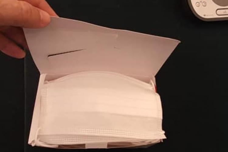 Escrocherie cu măști de protecție în România! Oamenii primeau hârtie igienică în loc de măști