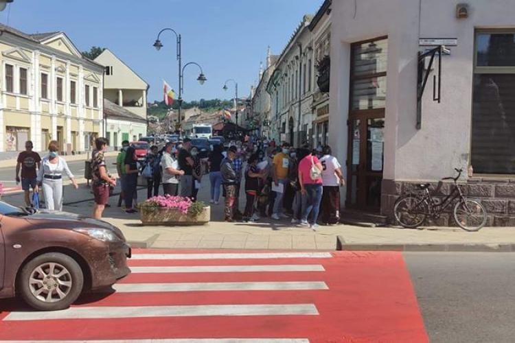 Haos la Evidența Populației de la Turda: COVID -ul i-a luat pe nepregătite pe oficialii din Turda- FOTO