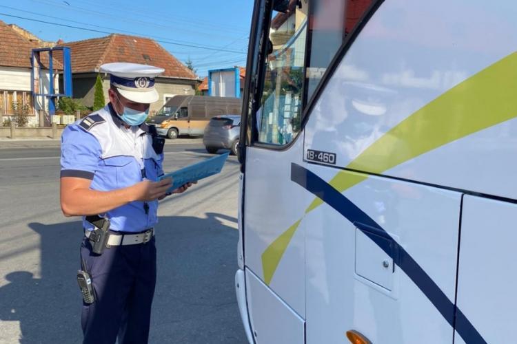 Controale de amploare în autobuze și trolee la Cluj, pentru a verifica respectarea măsurilor anti-COVID. Peste 1.800 de persoane au fost verificate