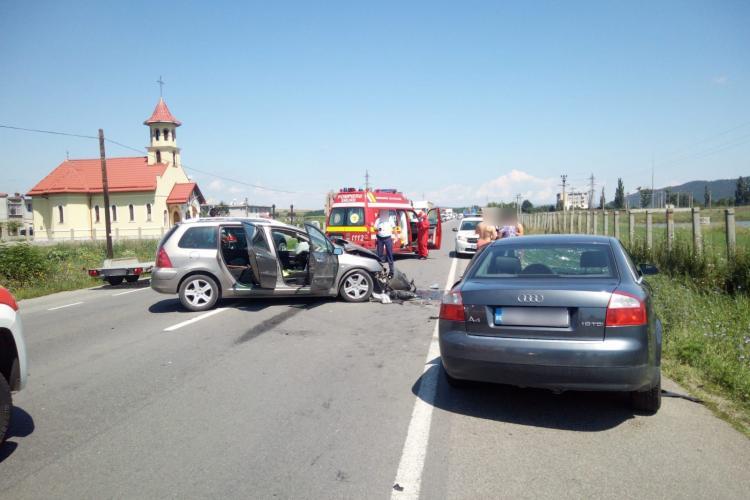 Accident grav la Bonțida. O persoană a rămas încarcerată FOTO