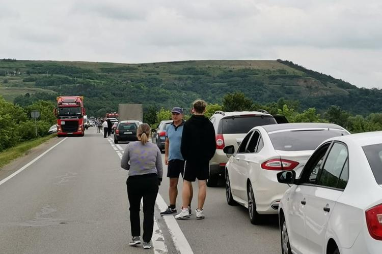 Accident cu șapte victime pe drumul Cluj-Mureș. Traficul a fost paralizat FOTO