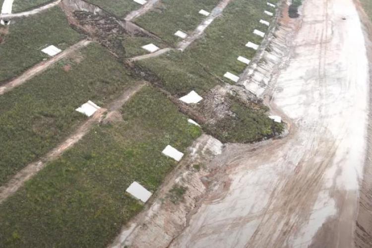 VIDEO - Masivă alunecare de teren pe șantierul autostrăzii Sebeș - Turda