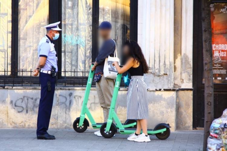 Zeci de bicicliști și conducători de trotinete amendați la Cluj-Napoca în doar câteva ore FOTO