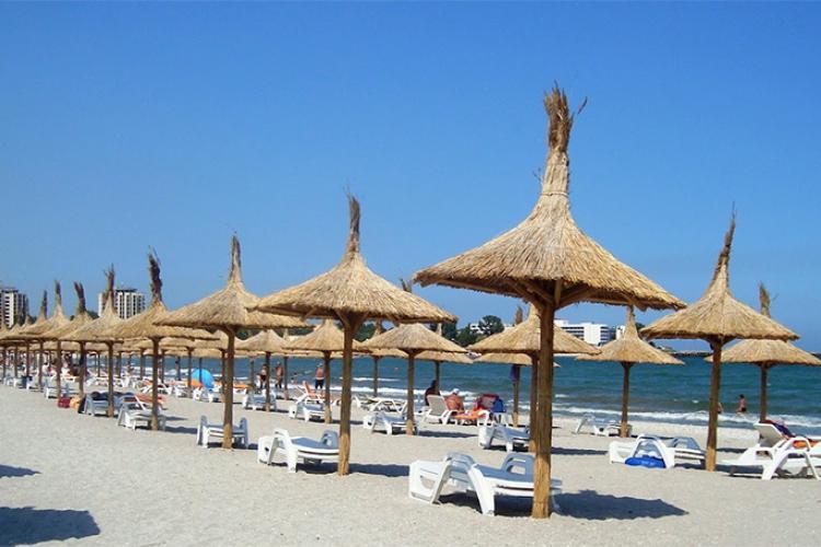 Alertă de coronavirus pe litoral! 40 de tineri suspecți de COVID au plecat la mare