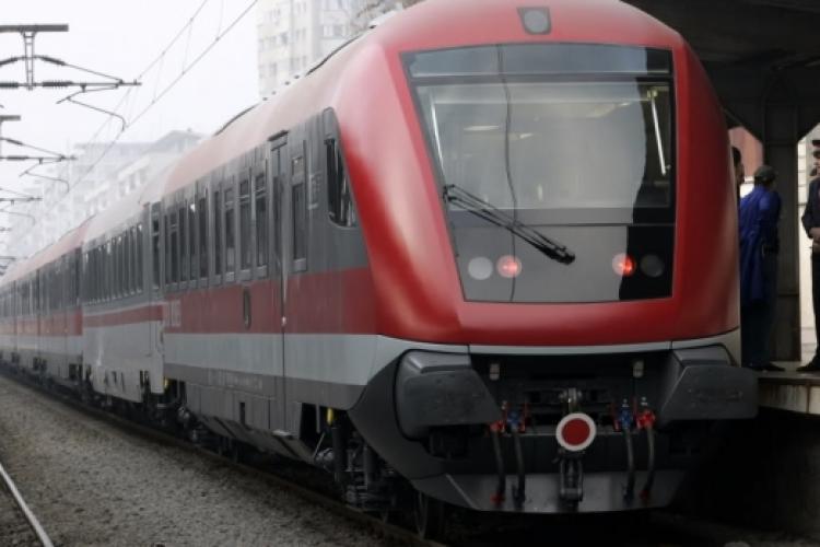 Șef de tren sancționat de CFR Călători pentru că nu a purtat mască de protecție. I-au tăiat salariul și l-au mutat pe alt post