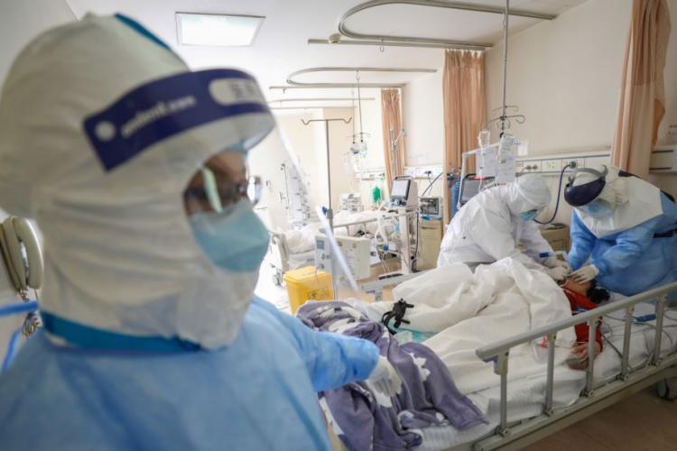 Un pacient asimptomatic a murit după ce a refuzat internarea pentru COVID 19