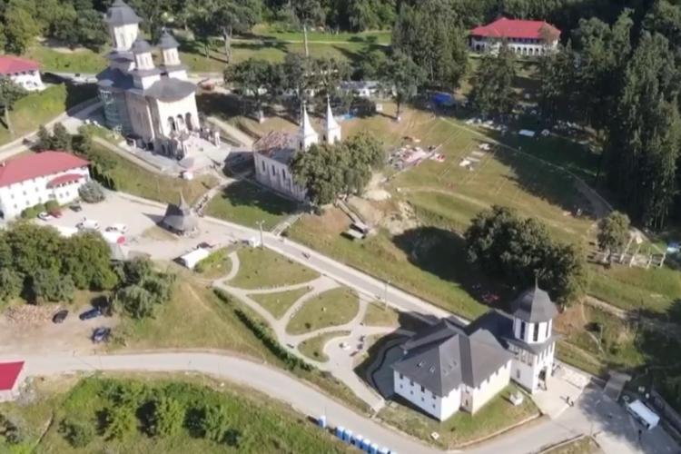 Imagini din DRONĂ de la Mănăstirea de la Nicula - VIDEO