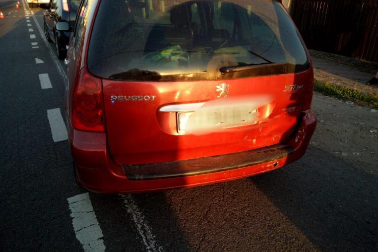 Accident cu patru mașini la Gilău. Două persoane au ajuns la spital FOTO
