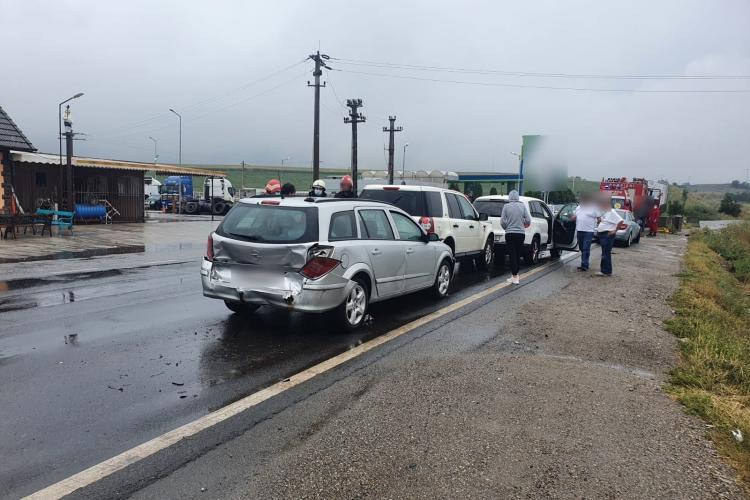 Accident cu cinci mașini la intrare pe Autostrada Transilvania, dinspre Turda
